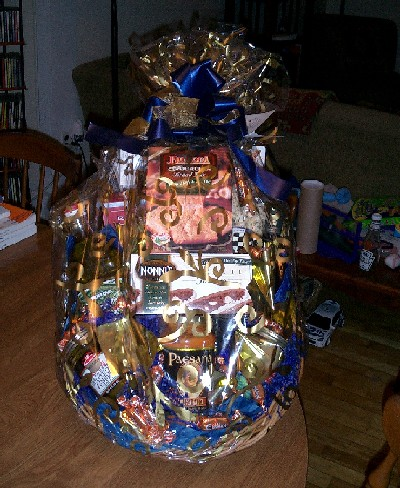 quite a lovely Italian themed basket of food goodies
